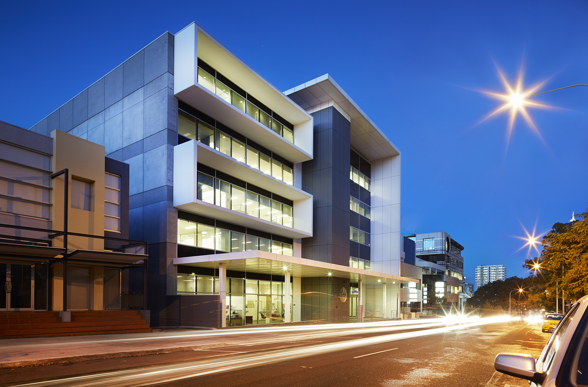 Design management group dmg australia architects and for Contemporary commercial buildings